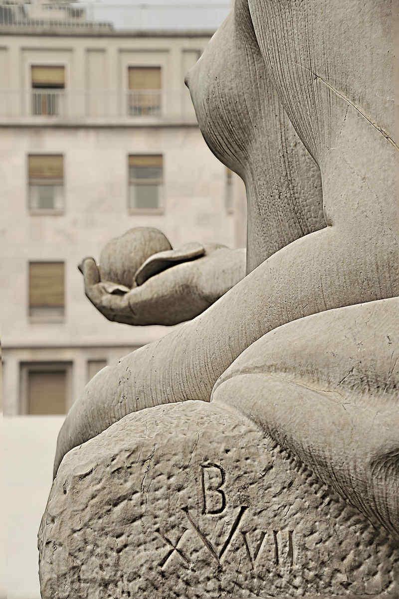 die schöne Dora Riparia an der Piazza CLN in Turin - Foto: © Wolfram Mikuteit